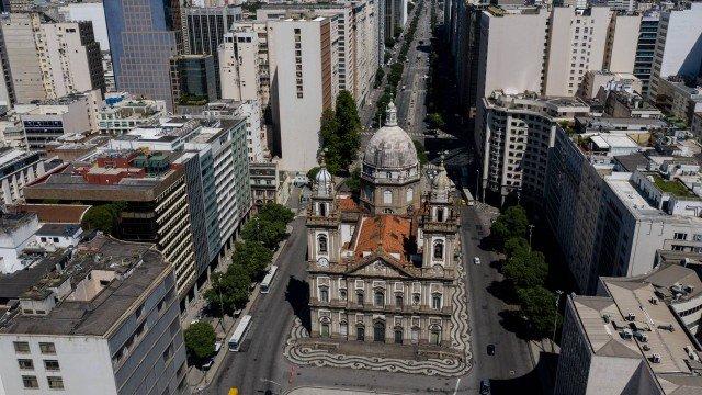 No Dia do Servidor Público, categoria realiza ato contra a reforma administrativa